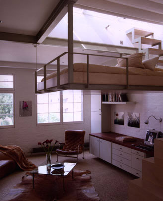 Way cool loft. I'd sacrifice all my traditional furniture for this.