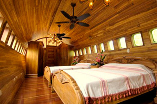 airplane hotel 3
