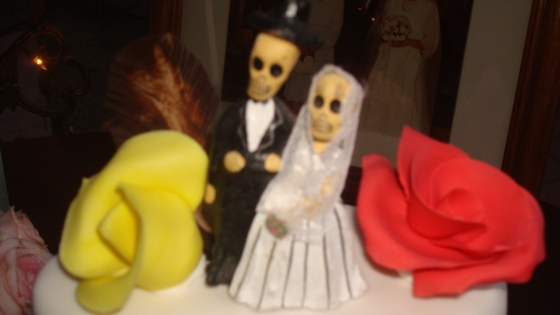 The Tim Burton-esque cake topper- so very Heidi and Kyle!