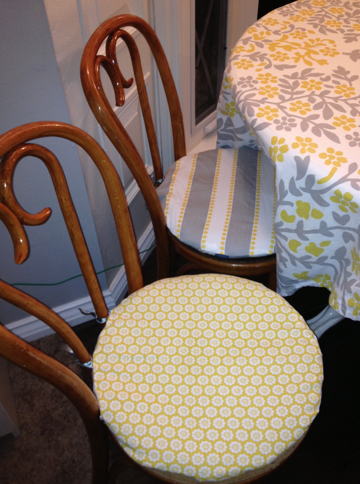 dining room chairs, night