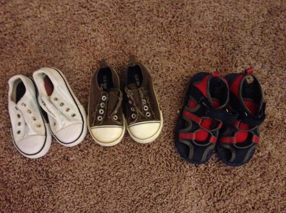 3 pairs of nearly new shoes-- Converse, and Old Navy! $2/each